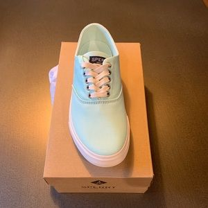 New! Sperry Captain's CVO sneakers mint (color)